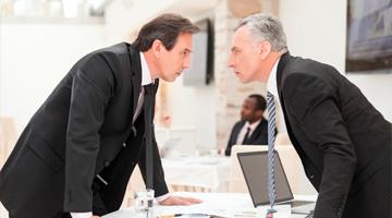 бизнесмены ссорятся